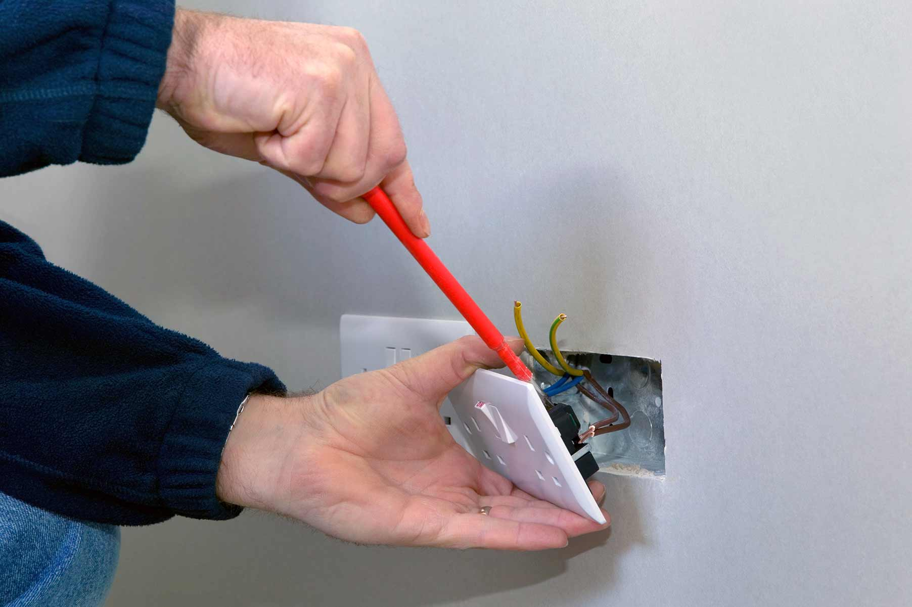 Our electricians can install plug sockets for domestic and commercial proeprties in Sevenoaks and the local area.